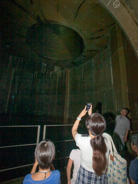 穴 丸 その後 の 地下